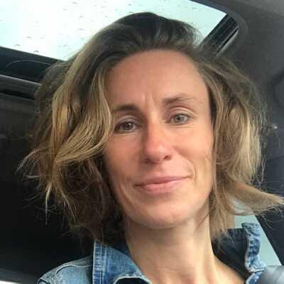 Evelyne Debeuckelaer